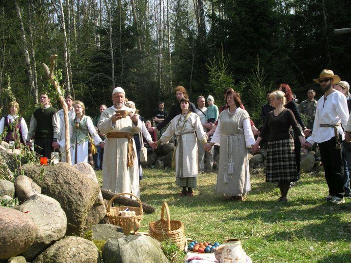 Akmenų įšventimas Perkūno šventovėje | Alkas.lt nuotr.