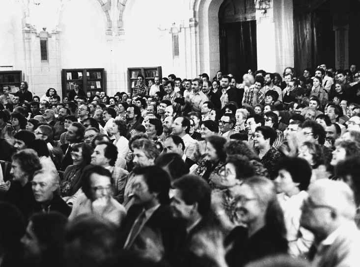 Sąjūdžio steigiamasis susirinkimas 1988 06 03 d. Lietuvos Mokslų Akademijos salėje | J.Česnavičiaus nuotr.