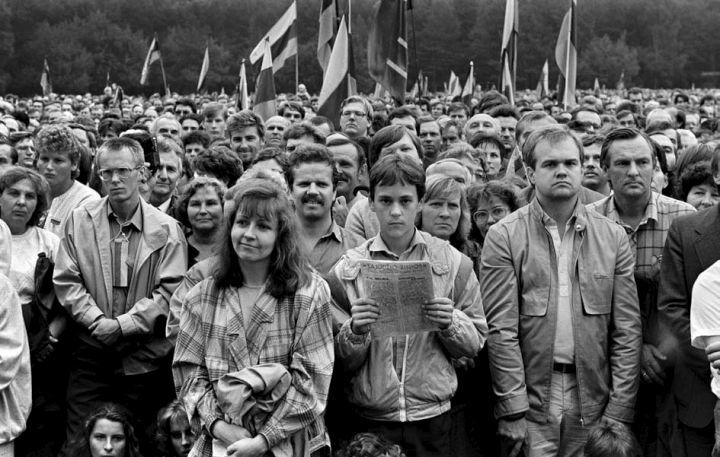 1988 m. rugpjučio 23 d , Vilnius. Mitingas Vingio parke Molotovo–Ribentropo pakto pasirašymo metinių proga