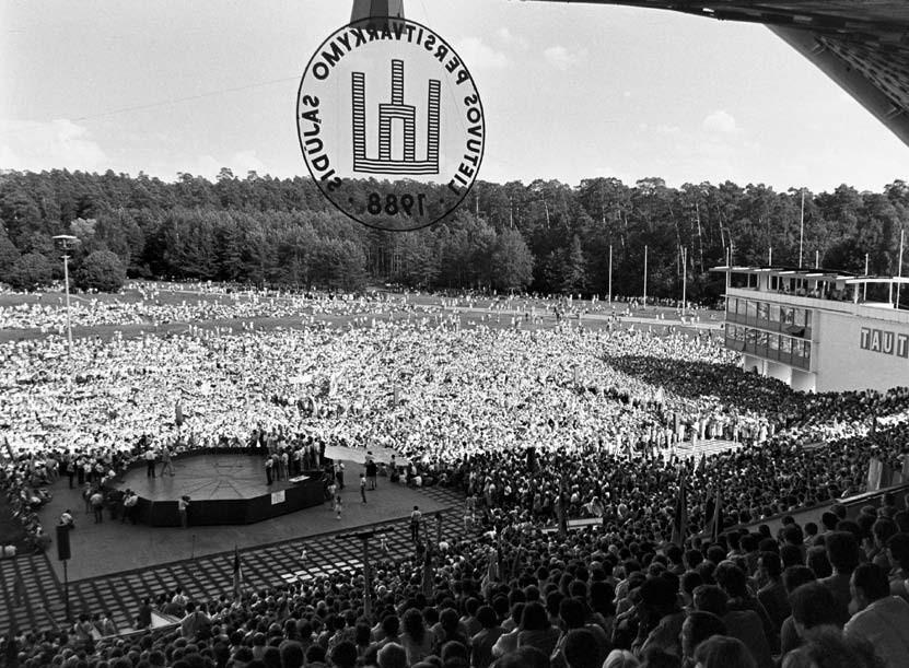 Sąjūdžio mitingas 1988 Vingio parke   R.Urbakavičiaus nuotr.