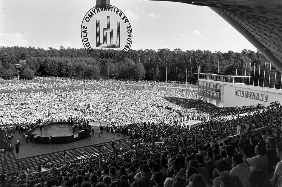 Pirmas didysis Sąjūdžio mitingas Vingio parke. Vilnius, 1988 m. liepa  | V. Daraškevičiaus nuotr.