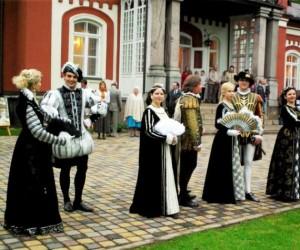 Ponas Tadeušas atvažiuoja 2011 | Molėtų krašto muziejaus nuotr.