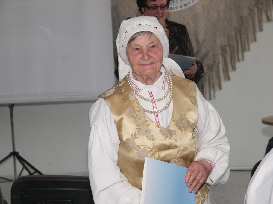 Palmira Krivickienė, Lazdinių-Adutiškio ansamblio vadovė.