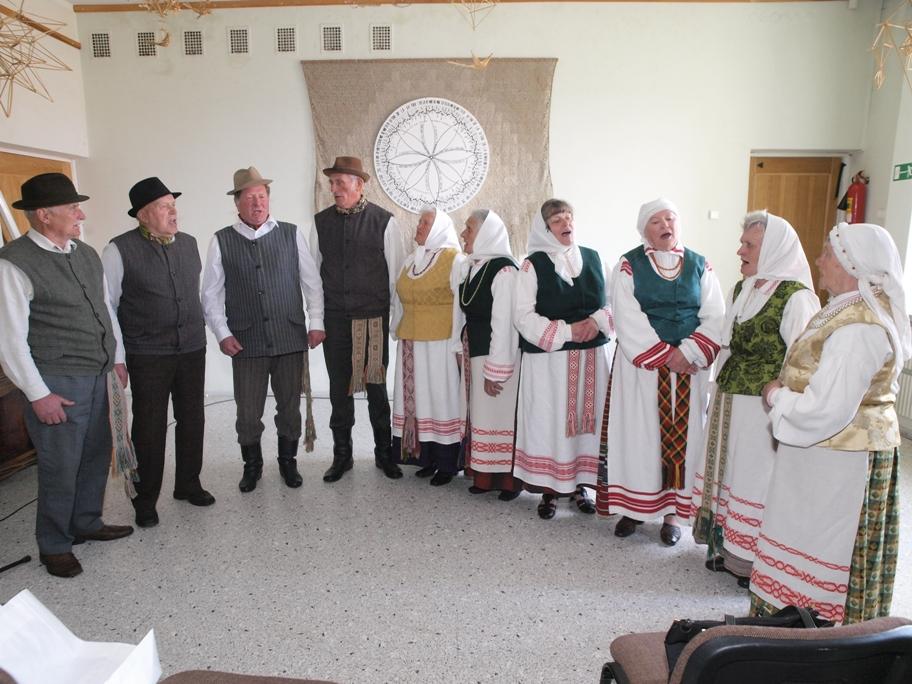 Lazdinių - Adutiškio folkloro ansamblis
