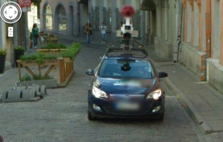 """""""Google"""" patys savo specialųjį automobilį užfiksavo Estijos sostinėje Taline. """"Google"""" nuotr."""