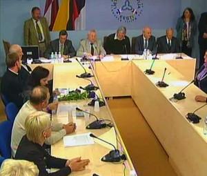 1-as visuomeninės komisijos posėdis | lrs.lt transliacijos stop kadras