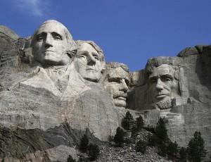 JAV prezidentams skirtas memorialas Rašmoro kalne, JAV (Mount Rushmore): Dž.Vašingtonas, T.Džefersonas, T.Ruzveltas, A.Linkolnas | wikipedia.org nuotr.