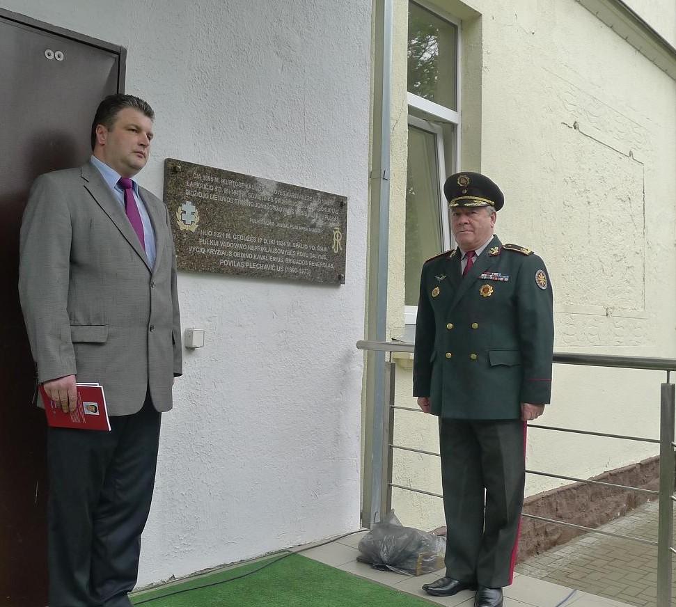 Generolas Sergejus Madalovas ir  šaulys dr. Raimundas Kaminskas