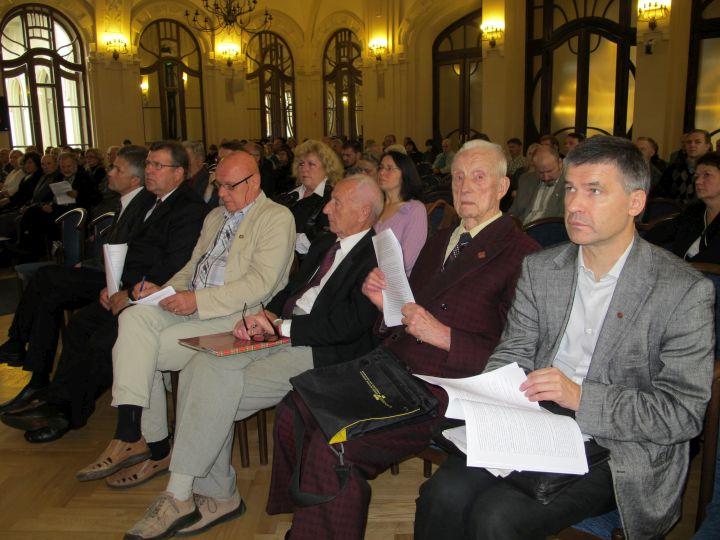 Konferencijos dalyviai, pirmas iš dešinės A.Medalinskas | Alkas.lt nuotr.