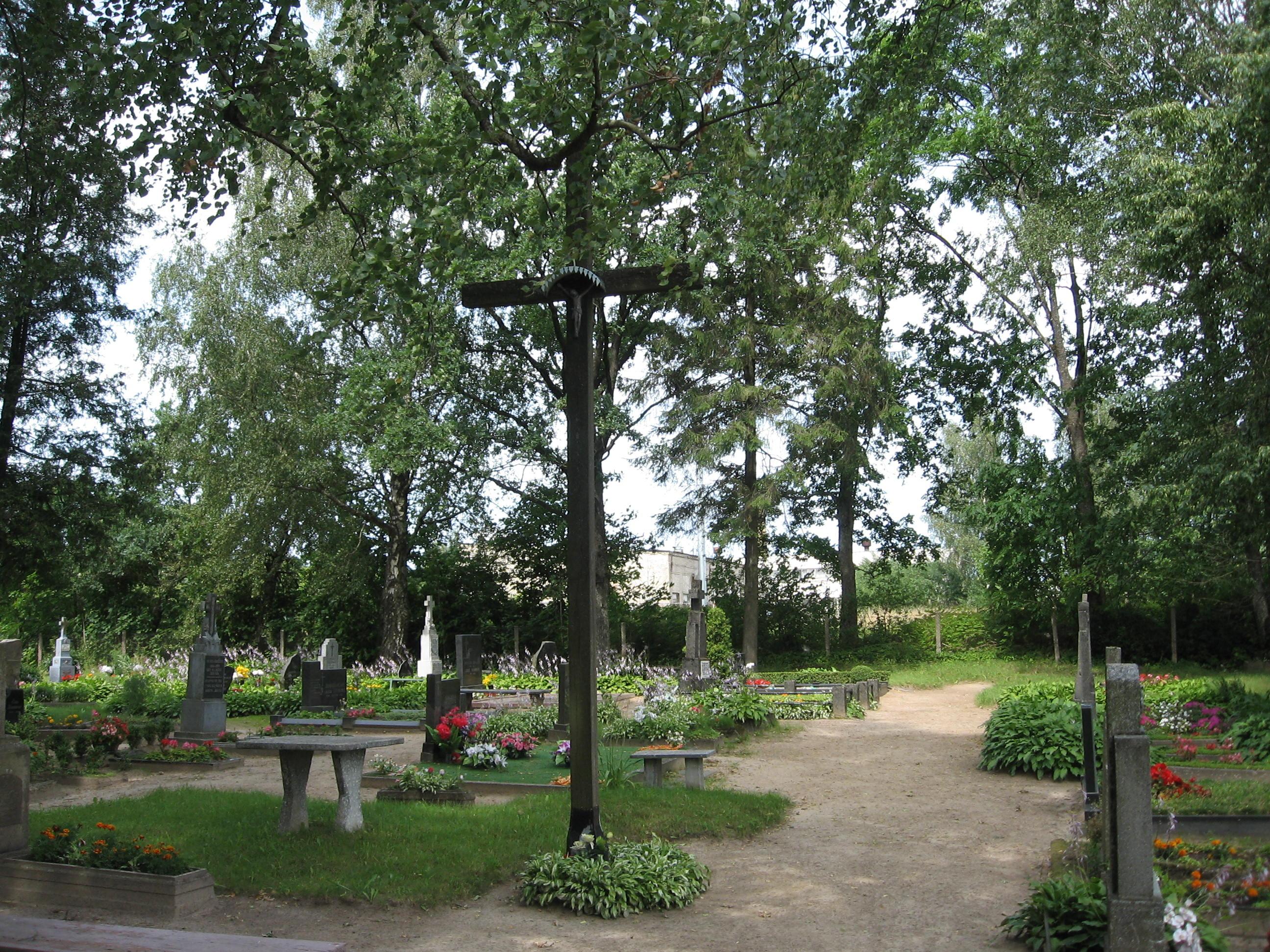 Evangelikų liuteronų kapinės Žemaičių Naumiestyje   vikipedija.lt nuotr.