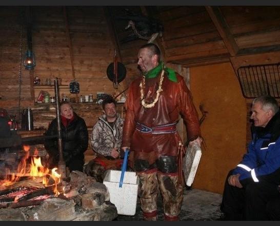 Šamanų pasirodymas turistams / Trakų krašto vietos veiklos grupės albumo nuotr.