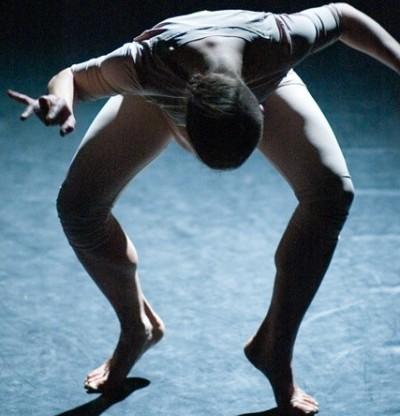 """Scena iš šokio spektaklio """"Salamandros sapnas"""""""
