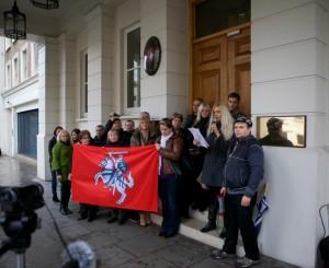 Piketas prie Lietuvos ambasados Londone | Piketo rengėjų nuotr.