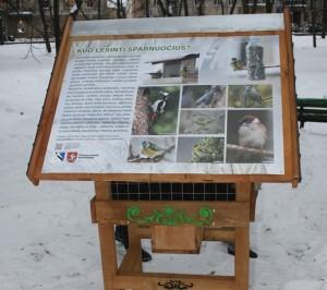 Gedimino kalno papėdėje įrengta stacionari lesykla | Lietuvos ornitologų draugijos nuotr.