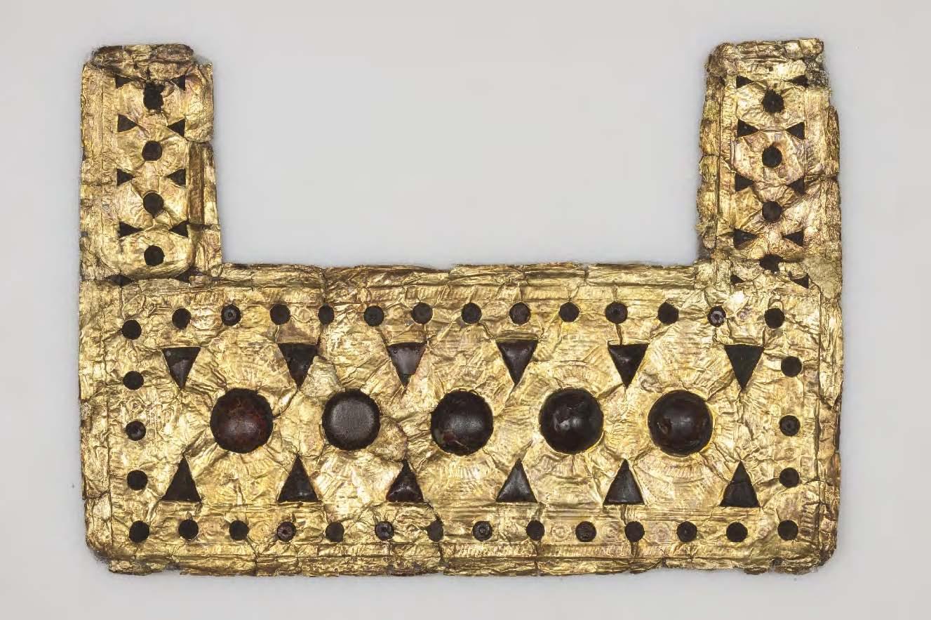 Krūtinės papuošalas su gintaro inkrustacijomis iš Palestrinos (Italija), VII amžiuje prieš Kristų | Romos nacionalinio etruskų muziejaus nuotr.