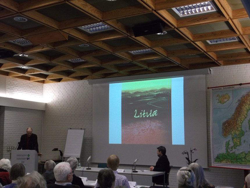 Pranešimą apie senąją Lietuvą skaito S. Striegleris