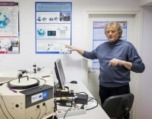 Prof. Ričardas Rotomskis teigia, kad mokslo ir medicinos ryšys onkologijoje yra ypač svarbus. A.Privedos nuotr.