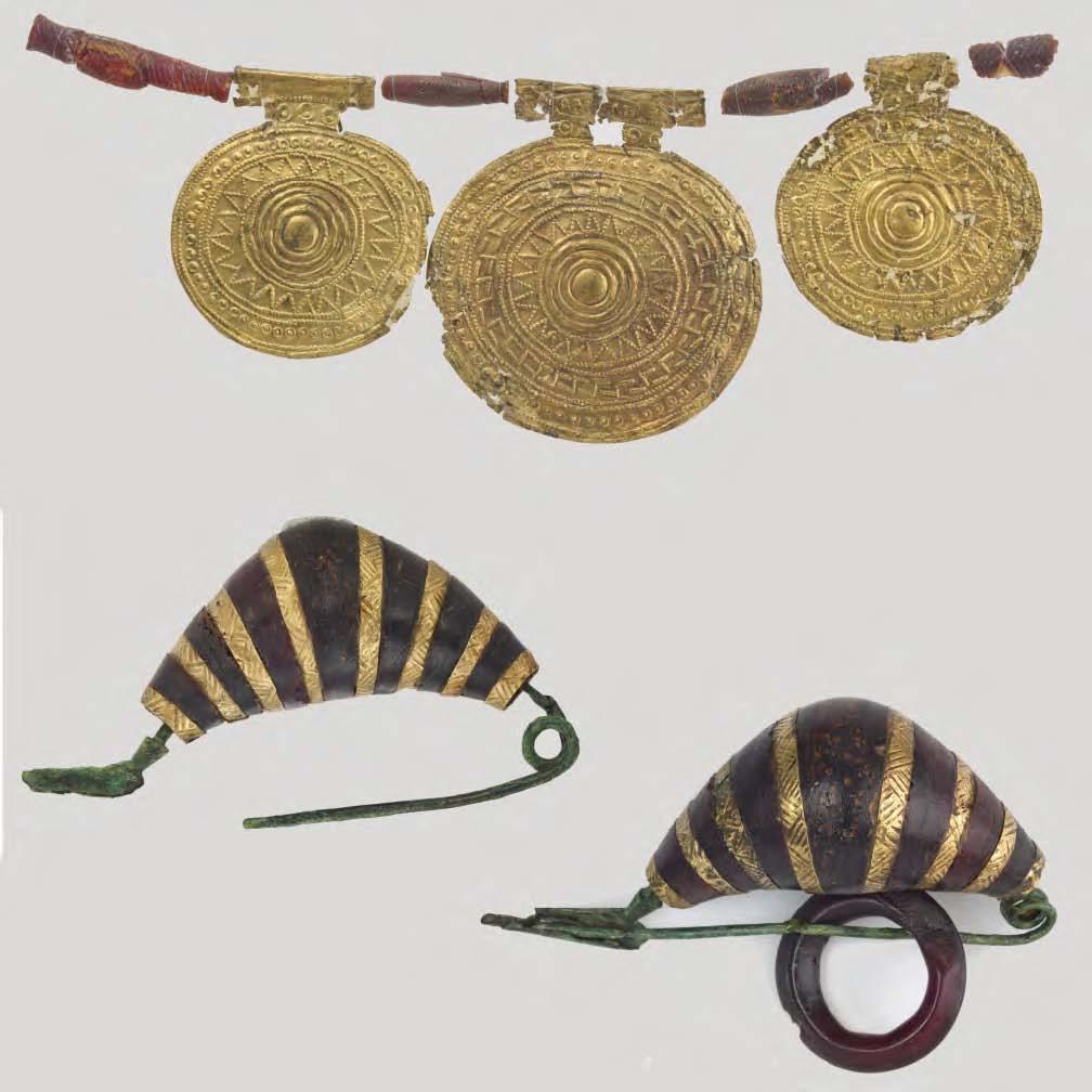 Karoliai ir auskarai (gintaras, auksas, bronza) iš Bisenzio, VIII amžiuje prieš Kristų | Romos nacionalinio etruskų muziejaus nuotr.