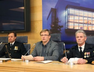 A.Kliunka, Z.Vaišvila, K.Genzbigelis spaudos konferencijoje | lrs.lt, O.Posaškovos nuotr.