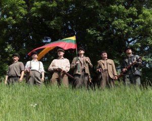 Kadras iš filmo Pavergtųjų sukilimas