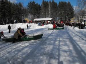 Valčių rungtynės žiemos šventėje Mindūnuose | Valstybinės saugomų teritorijų tarnybos nuotr.