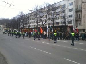 Policija  Lietuvos nepriklausomybės atkūrimo 95-ųjų metinių eitynėse | Alkas.lt, R.Garuolio nuotr.