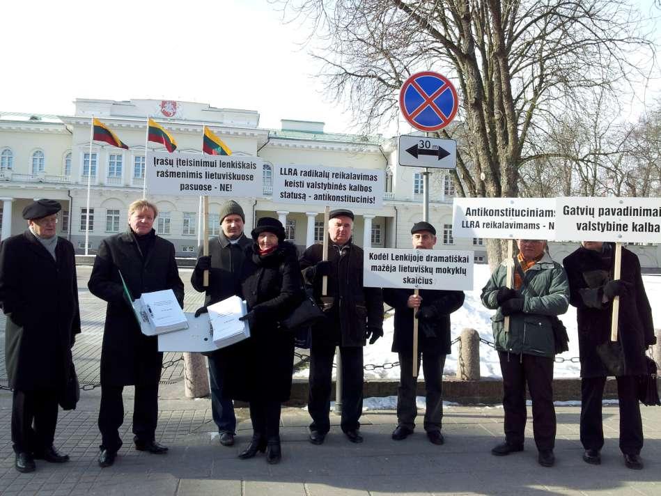 Beveik 17 000 piliečių kreipėsi į Lietuvos valdžią reikalaudami ginti valstybinę kalbą ir Lietuvos teritorinį vientisumą | Alkas.lt, A.Rasakevičiaus nuotr.
