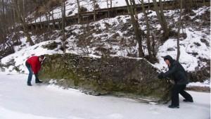 Kalniškių konglomerato atodangos nuolauža – Meškos kupra | Kauno marių regioninio parko direkcijos nuotr.