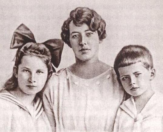 Sofija Smetonienė su vaikais Maryte ir Juliumi. Kaunas, 1920 m