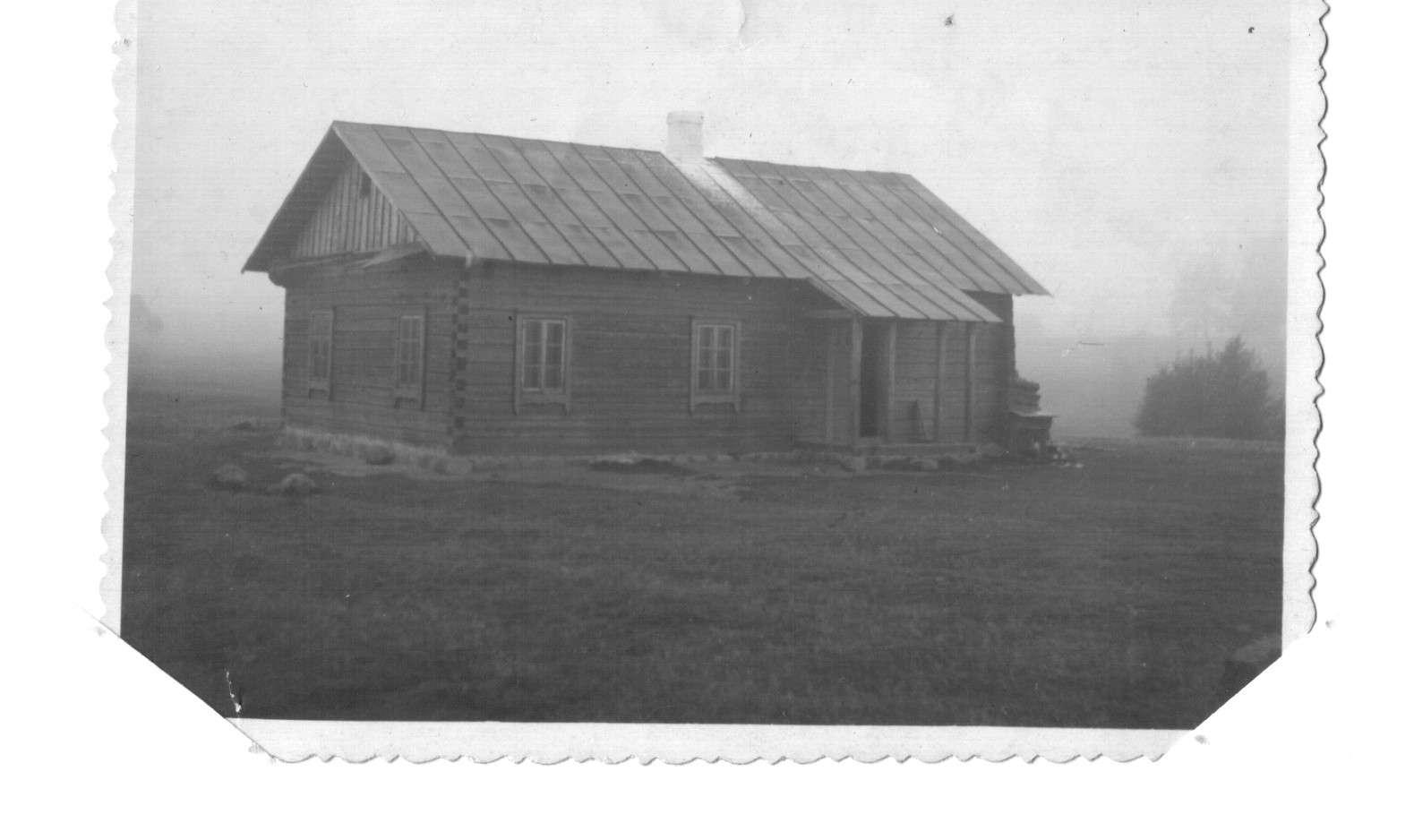 Kaziulių pradinė mokykla, 1949 m. ruduo.    B.Dombraitės-Usonienės asmeninio archyvo nuotr.