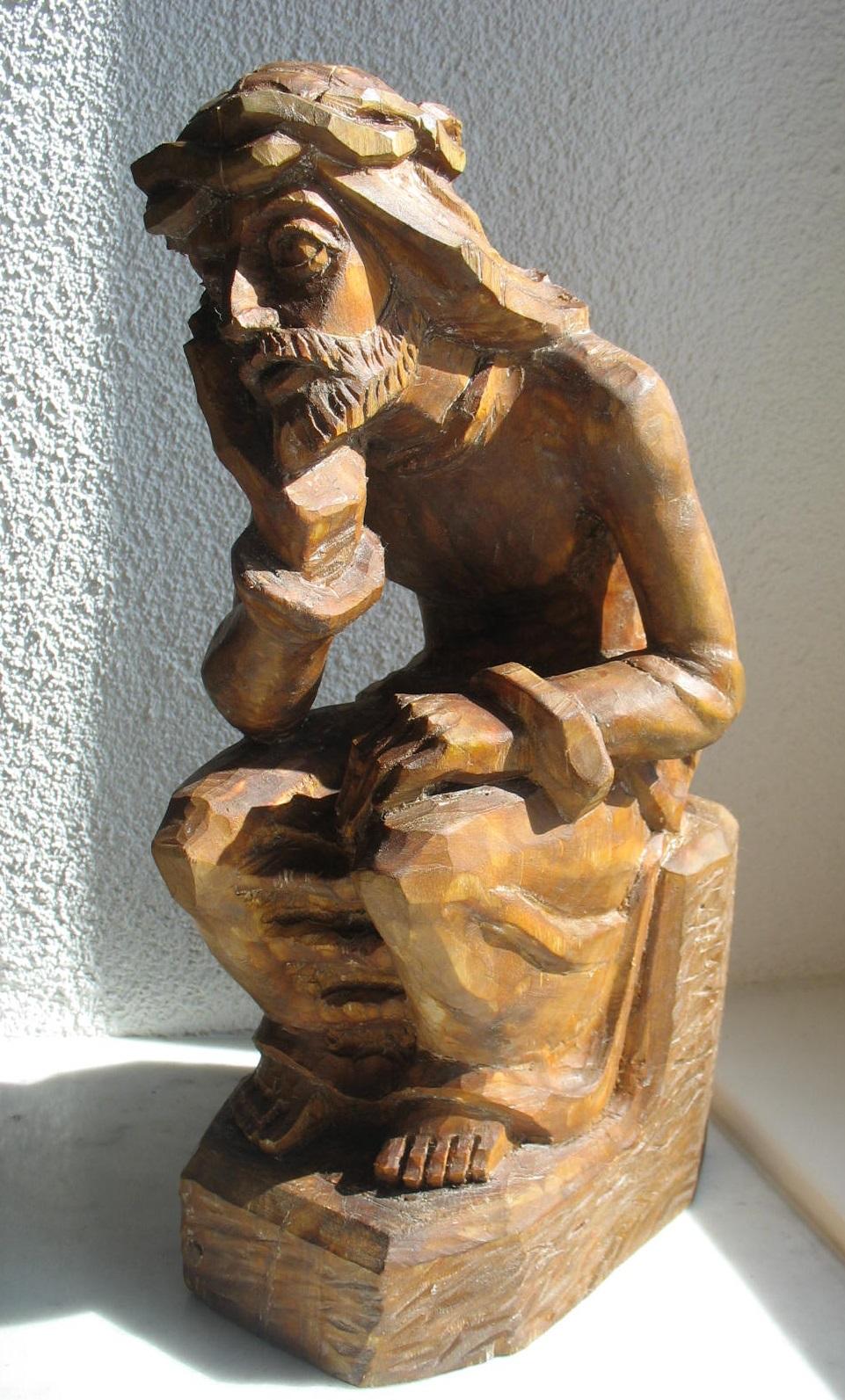 """Etninės kultūros globos tarybos įsteigti specialusis prizas – skulptūra """"Rūpintojėlis"""""""