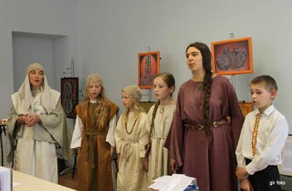 """Dainuoja etnografinis ansamblis """"Leda"""". Iš kairės vadovė Rita Balsevičiūtė   G.Kaltenio nuotr."""