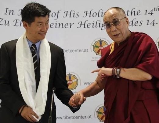 Sikyong dr. Lobsang Sangay ir Dalai Lama | facebook.com nuotr.