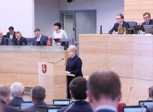 D.Grybauskaitė skaito metinį pranešimą | lrs.lt, O.Posaškovos nuotr.