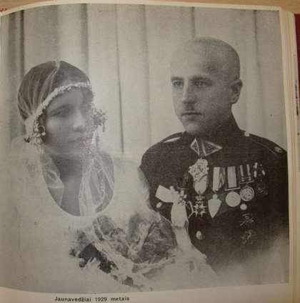 Elena Smetonaitė ir Stasys Raštikis vestuvių dieną, 1929. M.Raštikytės asm. arch. nuotraukos