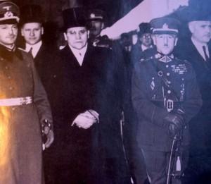 """Delegacijos pasitikimas Berlyne. Iš kairės K.Škirpa, gen. S.Raštikis, A.Merkys   K.Škirpos knygos """"Lietuvos nepriklausomybės sutemos"""" nuotr."""