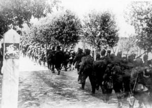 SSSR kariuomenės daliniai peržengia Lietuvos Respublikos sieną. 1940 m. birželio 15 d. | LCVA, 1789-1(6-138) PII. nuotr.