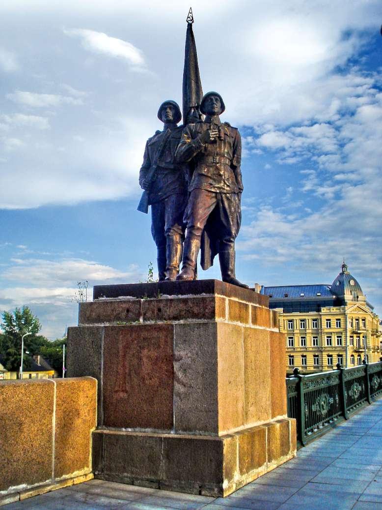 Viena iš 4-ių Žaliojo tilto skulptūrų | wikipedia.org nuotr.