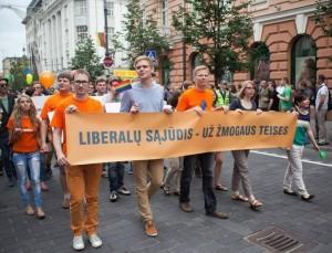 Liberalai 2013 m. liepos 27 d. gėjų pasididžiavimo eitynėse Vilniuje