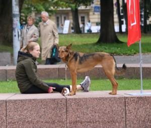 Šuo ir mergina | Alkas.lt, A.Sartanavičiaus nuotr.