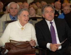 Kairėje sėdi Jūratė Statkutė de Rosalis, dešinėje - dokumentinio filmo apie ją autorius ir režisierius Stasys Petkus   Aidas.lt, Ž.Petkaus nuotr.