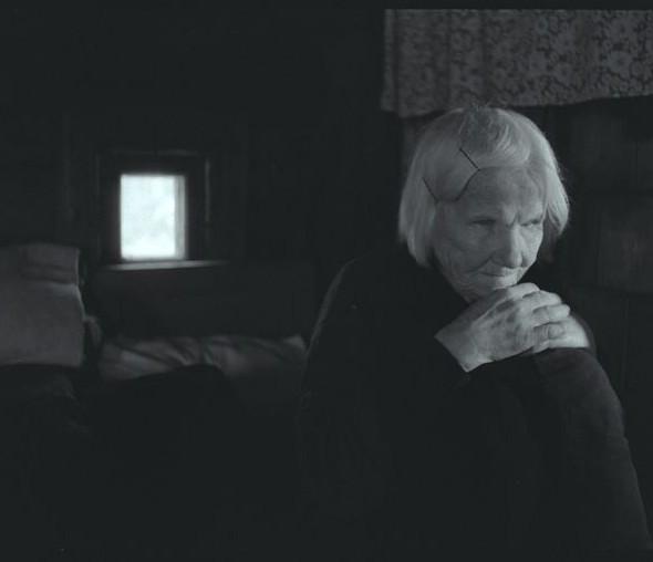 """Kadras iš A.Stonio filmo """"Neregių žemė"""""""