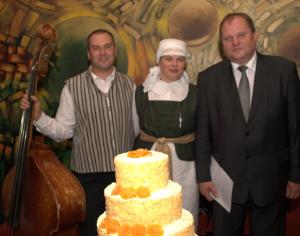 """Regina ir Vidas Pykiai su konkurso """"Mūsų kulinarinis paveldas"""" komisijos nariu Balstogėje"""