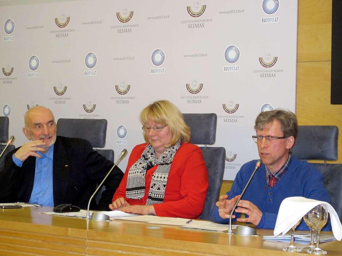 Renaldas Jančiauskas (pirmas iš dešinės) | N.Balčiūnienės nuotr.