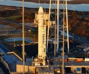 """Raketa nešėja jau paruošta. """"Orbital"""" nuotr."""