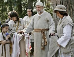 Krivis Jaunius Jorės šventėje atlieka romuvių įšventimo apeigą | Alkas.lt, V. Daraškevičiaus nuotr.