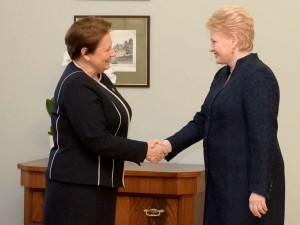 Dalia Grybauskaitė ir Laimdota Straujuma   lrp.lt, R.Dačkaus nuotr.