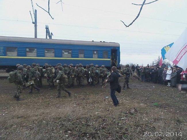 Dvepropetrovsko srityje sustabdytas traukinys su kariais