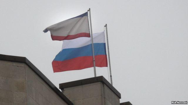 Iškelta Rusijos ir Krymo vėliavos ant abiejų pastatų