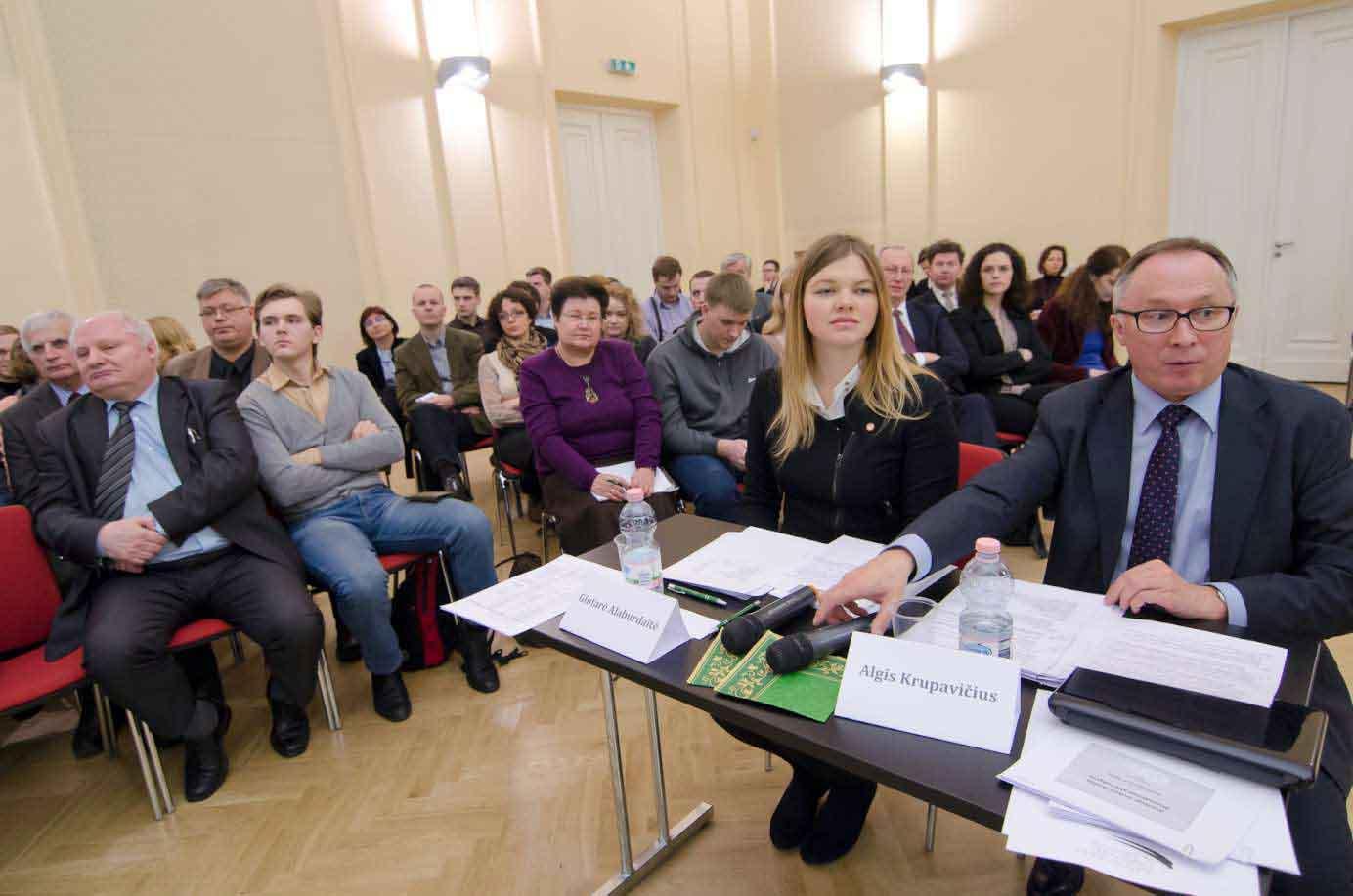 Debatų dalyviai ir rengėjai | KTU nuotr.